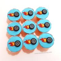 "Cupcakes ""Hot Wheels""! Roda com fogo (8,00)"